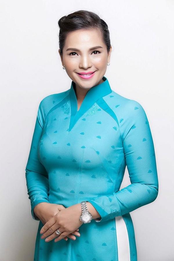 tiep vien%205 Dàn nữ tiếp viên hàng không VietnamAirlines cực xinh trong bộ đồng phục mới