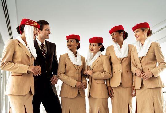 Top 10 đồng phục tiếp viên hàng không đẹp, quyến rũ nhất thế giới 11