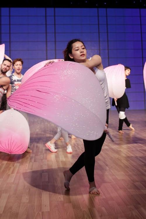 Liveshow 7 Bước nhảy hoàn vũ: 5 Cô gái mang quà đặc biệt cho khán giả nhân ngày 8/3  5