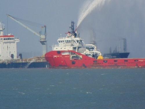 Tàu hàng nước ngoài bốc cháy trên biển Vũng Tàu 1