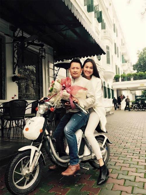 Facebook sao Việt 9/3: Ngọc Trinh khoe ảnh đi chơi với bạn trai bí mật 9