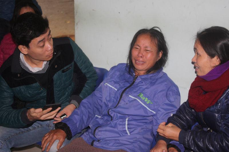 Mẹ con sản phụ chết tức tưởi, người nhà quây bệnh viện 4