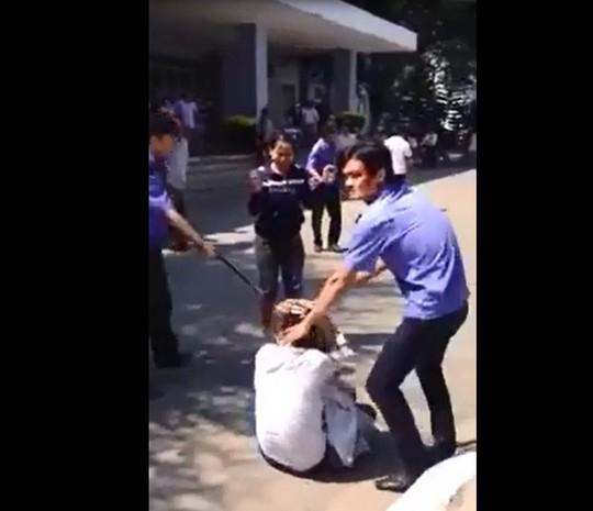 Bộ Y tế yêu cầu làm rõ vụ bảo vệ bệnh viện Quảng Ngãi đánh người 4