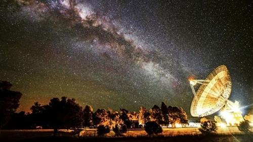 Bắt được tín hiệu ngoài hành tinh cách Trái Đất 5,5 tỷ ánh sáng 5