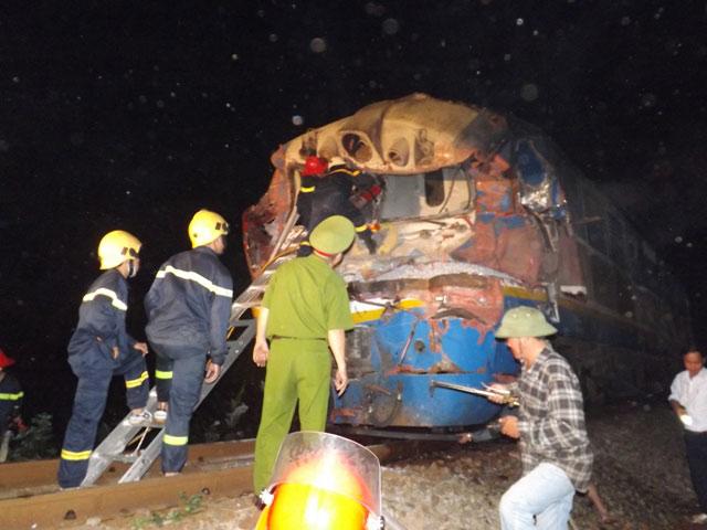 Tai nạn đường sắt nghiêm trọng: Ba toa văng khỏi đường ray, lái tàu tử vong 4