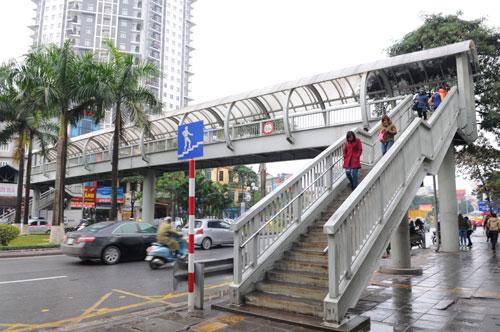 Sắp có cầu vượt đi bộ gần Học viện An Ninh 5