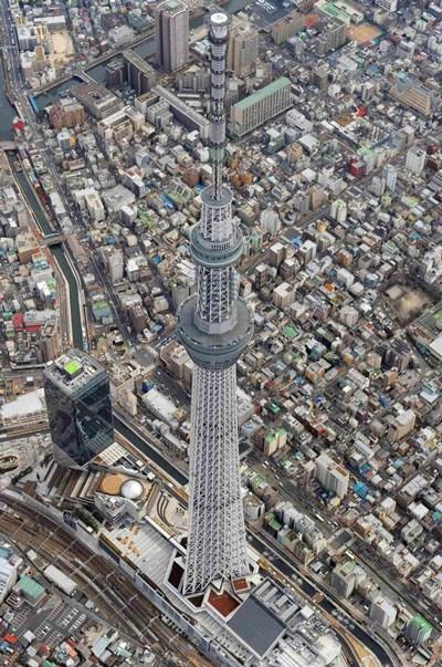 Cận cảnh tháp truyền hình cao nhất thế giới sắp bị Việt Nam soán ngôi 8