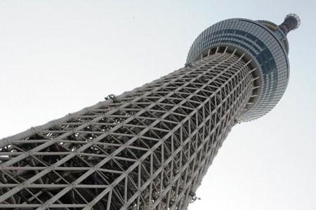 Cận cảnh tháp truyền hình cao nhất thế giới sắp bị Việt Nam soán ngôi 9
