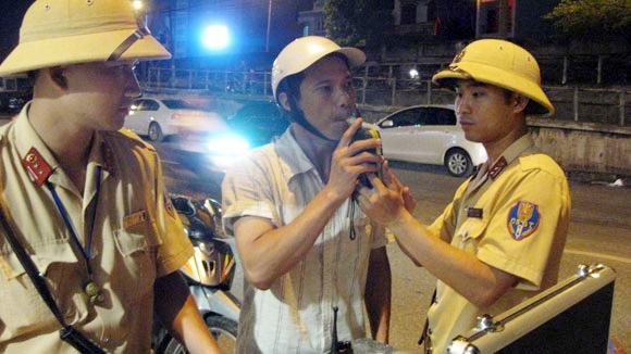 Uống bao nhiêu bia rượu để không bị tịch thu phương tiện giao thông? 4