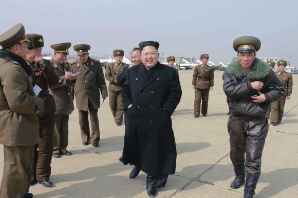 Hàn Quốc: Triều Tiên bắn 7 tên lửa đất đối không ra biển 5