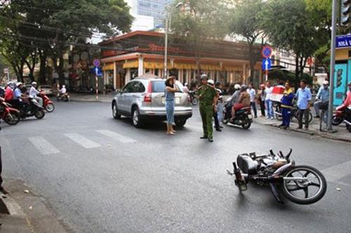 Diễn viên Thân Thúy Hà gặp tai nạn bất ngờ trên phố Sài Gòn 1
