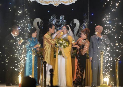 Đám cưới Thanh Thanh Hiền - Chế Phong như liveshow âm nhạc 8
