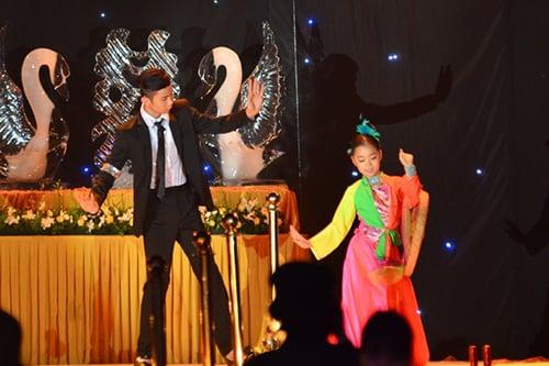 Đám cưới Thanh Thanh Hiền - Chế Phong như liveshow âm nhạc 12