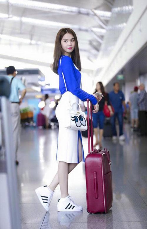 Ngọc Trinh cùng dàn chân dài Venus đại náo sân bay 7
