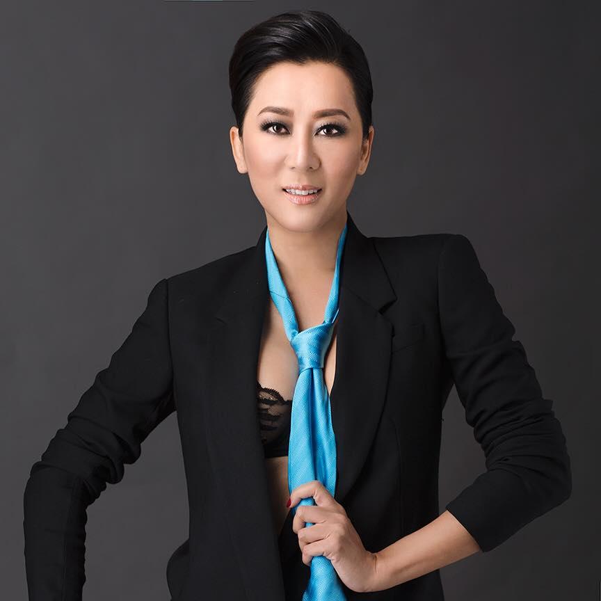 Nguyễn Cao Kỳ Duyên đẹp ngỡ ngàng ở tuổi ngũ tuần 8