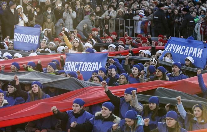Người dân Crimea tưng bừng kỷ niệm 1 năm sáp nhập Nga 10