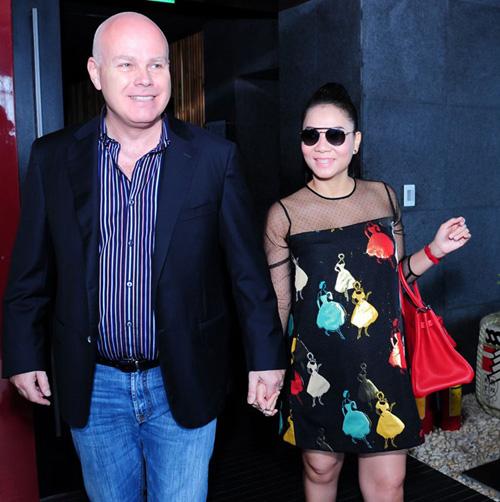 Những bà bầu được chồng cưng chiều nhất showbiz Việt 5