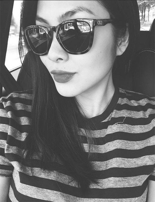 Facebook sao Việt 17/3: Bắt gặp Tóc Tiên, Xuân Lan vui vẻ ngồi ăn vỉa hè 9