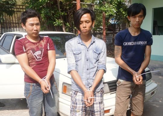 Bắt nhóm đi ô tô... trộm chó, tấn công cảnh sát 5