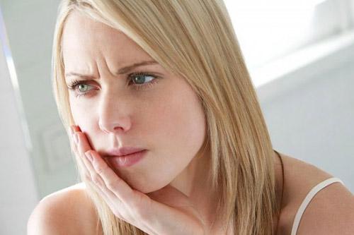 Những triệu chứng nguy hiểm của bệnh ung thư miệng 4