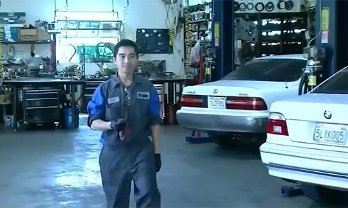 Thợ sửa xe gốc Việt làm mất tấm vé số trúng 1 triệu USD 5