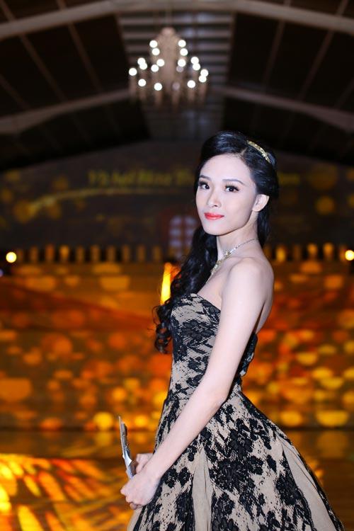 Á hậu Qúy bà Thế giới sẽ giúp Hoa hậu Phương Nga làm rõ sự việc 6