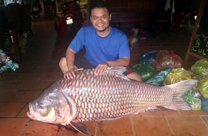 Cận cảnh thủy quái Mekong trong nồi lẩu trăm triệu đại gia Sài Gòn 6