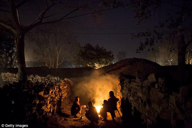Nơi người dân chết mòn vì sống trên đống lửa suốt một thế kỷ 6