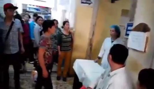 Bộ trưởng Tiến yêu cầu cắt hợp đồng nữ điều dưỡng