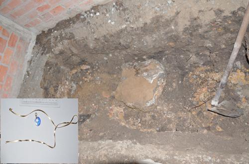 Chồng đào hố chôn xác vợ trong nhà: Giây phút lớp bê tông dưới gầm giường bật mở 5