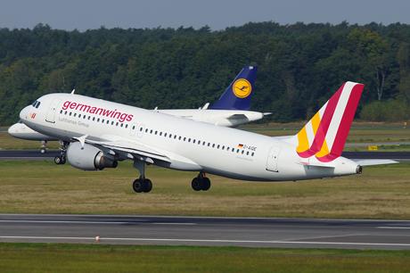 Hình ảnh (Cập nhật) Máy bay chở 148 người rơi ở Pháp, không ai sống sót số 1