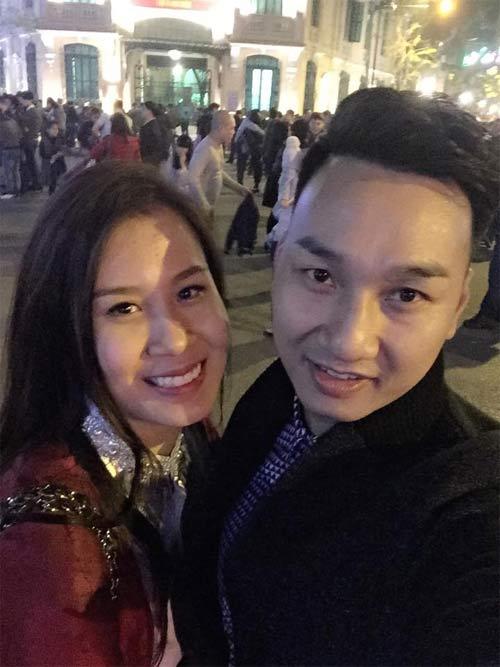 Facebook sao Việt 26/3: Ngọc Trinh khoe đồng hồ mới tậu hơn 200 triệu 5