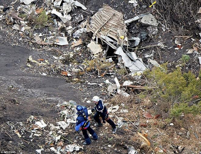 Phi công máy bay Airbus A320 đã bất tỉnh vì kính chắn gió bị nứt? 5