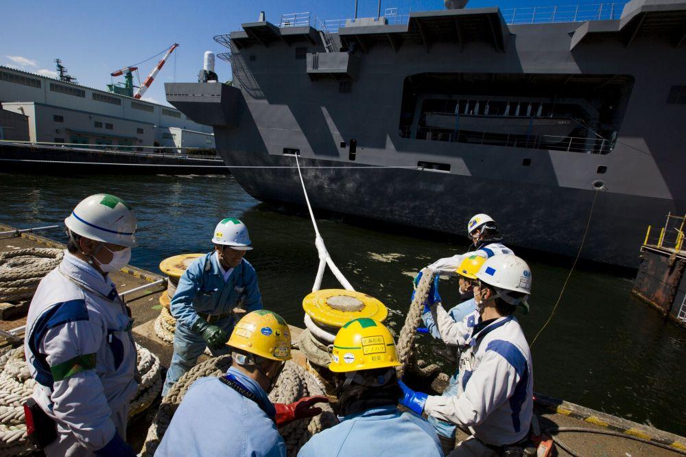 Tàu sân bay lớn nhất của Hải quân Nhật đi vào hoạt động 10