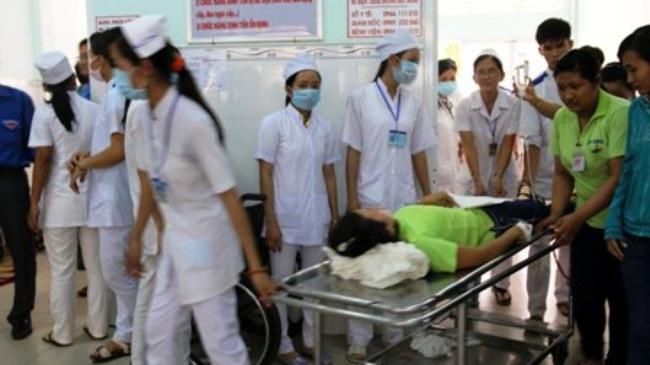 Hơn 140 công nhân bị ngộ độc sau bữa ăn trưa 4