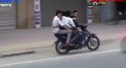 Video: Cảnh sát giao thông rượt đuổi xe kẹp 4 lạng lách trên đường 4