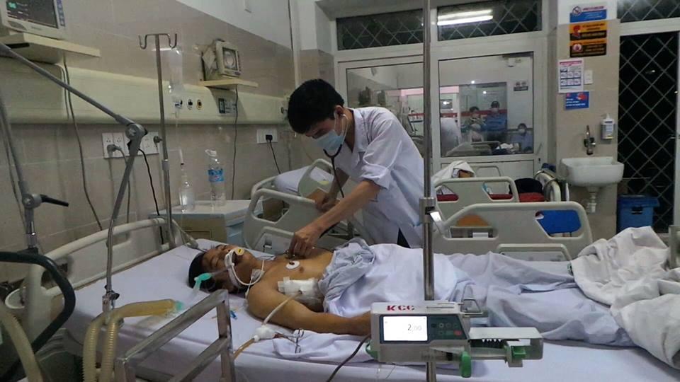 Sập giàn giáo tại Hà Tĩnh: Nạn nhân đưa ra Hà Nội qua cơn nguy kịch 4