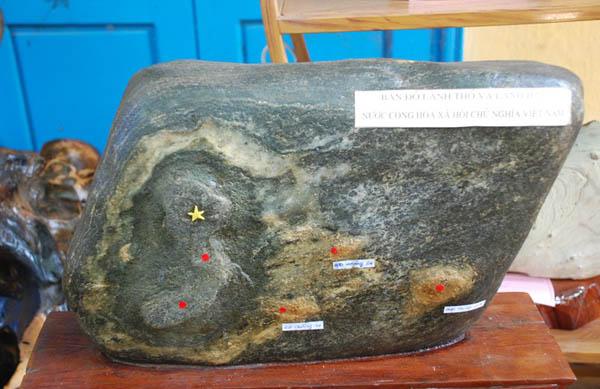 Ly kỳ tảng đá có hình bản đồ Việt Nam giá 7 tỉ, quý hơn vàng 5
