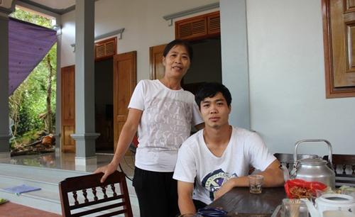 Gia đình bật khóc khi Công Phượng lập công cho U23 Việt Nam 4