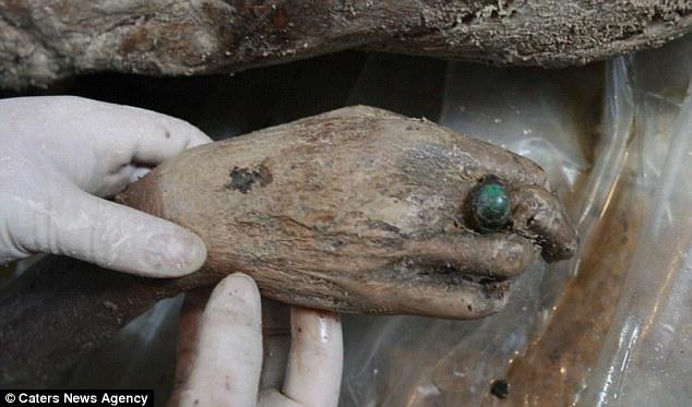 Bí ẩn xác ướp người phụ nữ 700 năm vẫn còn nguyên vẹn 8