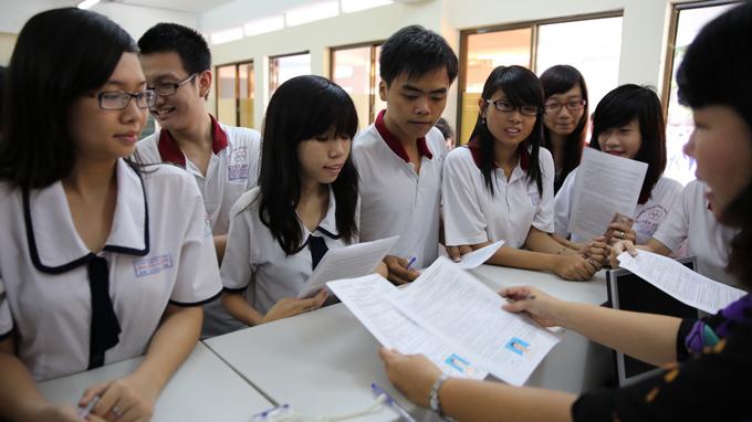 Hôm nay, thí sinh bắt đầu nộp hồ sơ dự Kỳ thi THPT quốc gia 2015 1
