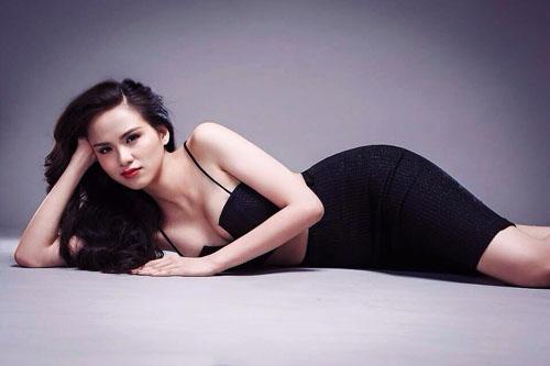 Facebook sao Việt 2/4: Hoa hậu Phương Nga xuất hiện trên mạng xã hội 6