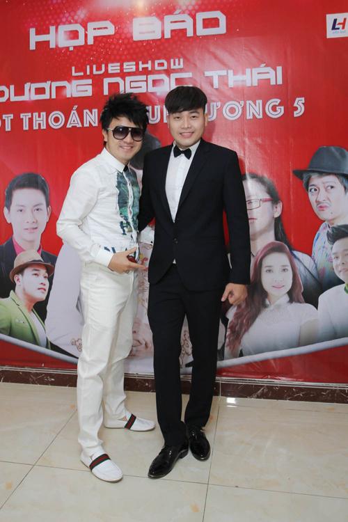 Ưng Hoàng Phúc bất ngờ tái xuất trong họp báo liveshow Dương Ngọc Thái 7