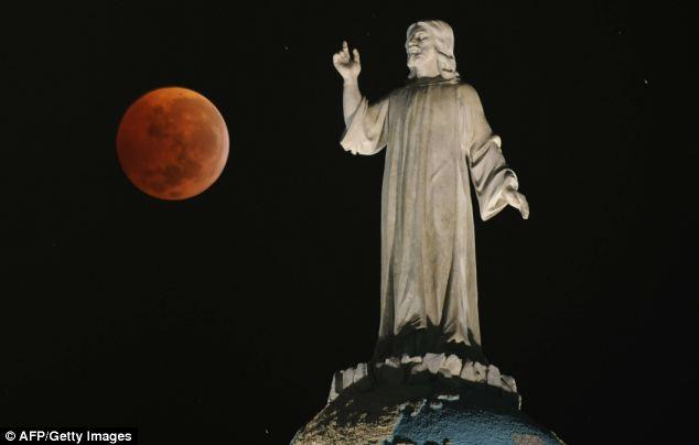 Trăng máu và những lời tiên đoán đáng sợ 3