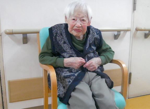Người phụ nữ già nhất thế giới tiết lộ bí quyết sống lâu 1