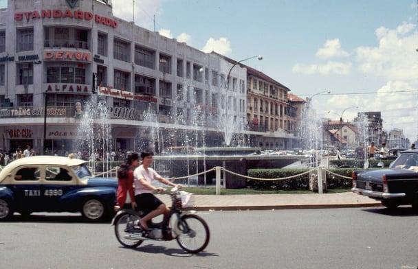 Cộng đồng mạng mê mẩn với bộ ảnh Sài Gòn xưa cực đẹp 38