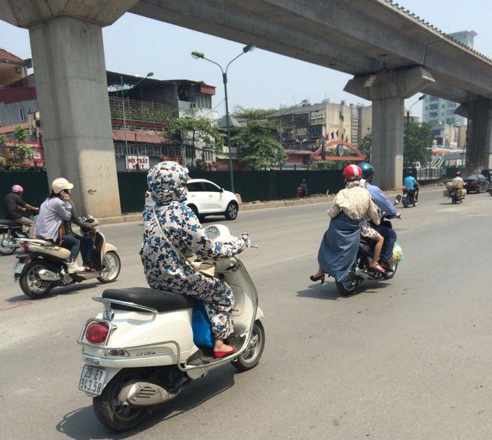 Hà Nội: Khốn khổ nắng nóng đường phố 'trơ bóng' cây xanh 13