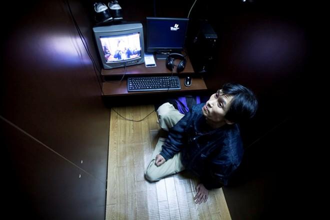 Hình ảnh Dân tị nạn cafe internet: Góc khuất của Nhật Bản số 2