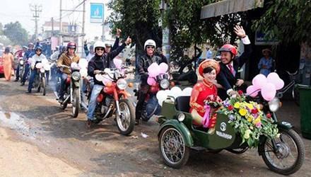 Độc đáo đám cưới rước dâu bằng dàn 'siêu xe' Minsk 3