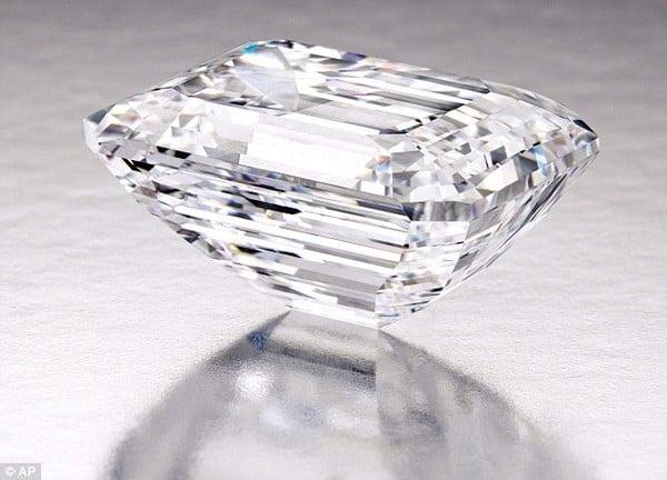 Chiêm ngưỡng viên kim cương 100 carat có giá hơn 500 tỷ đồng 9